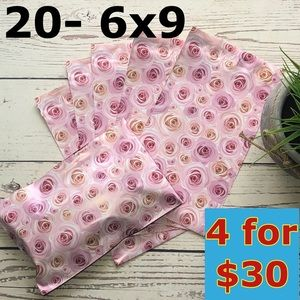 20- 6x9 Rose Print Poly Mailers